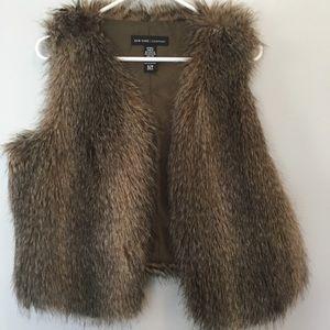 New York & Co faux fur vest